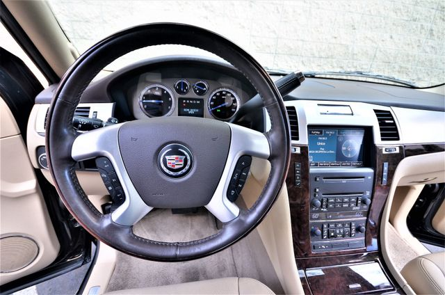 2009 Cadillac Escalade LUXURY Reseda, CA 8