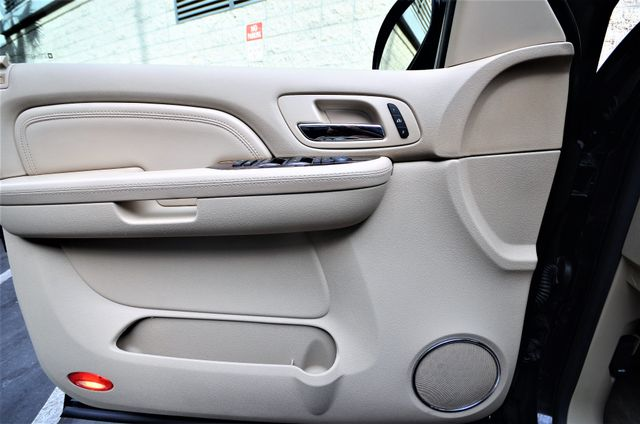 2009 Cadillac Escalade LUXURY Reseda, CA 32