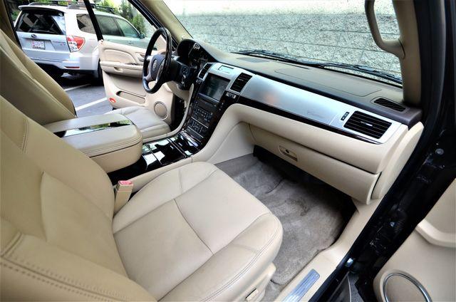 2009 Cadillac Escalade LUXURY Reseda, CA 10