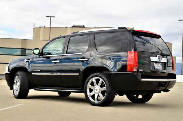 2009 Cadillac Escalade LUXURY Reseda, CA 3
