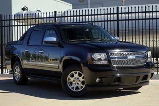 2009 Chevrolet Avalanche LTZ* Sunroof* Nav* BU Cam* EZ Finance**   Plano, TX   Carrick's Autos in Plano TX