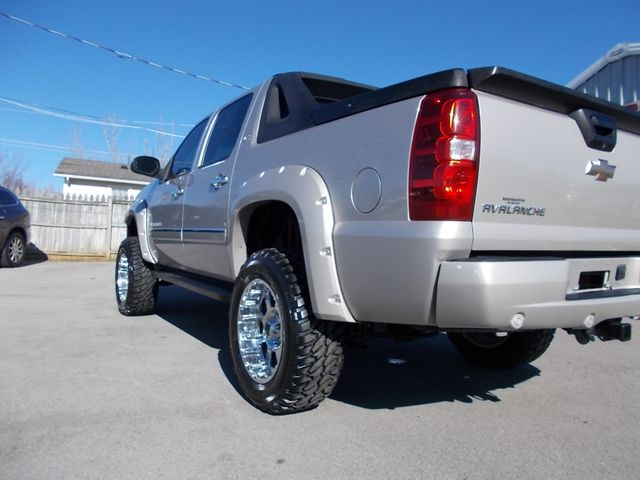 2009 Chevrolet Avalanche LTZ Shelbyville, TN 3