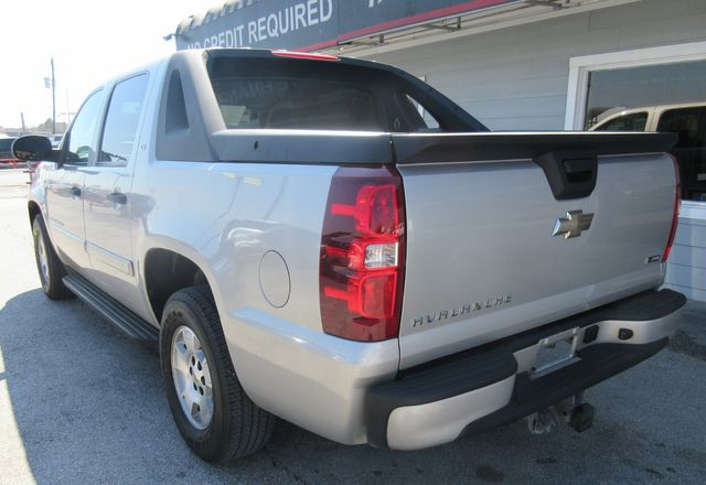 2009 Chevrolet Avalanche LS south houston, TX 1