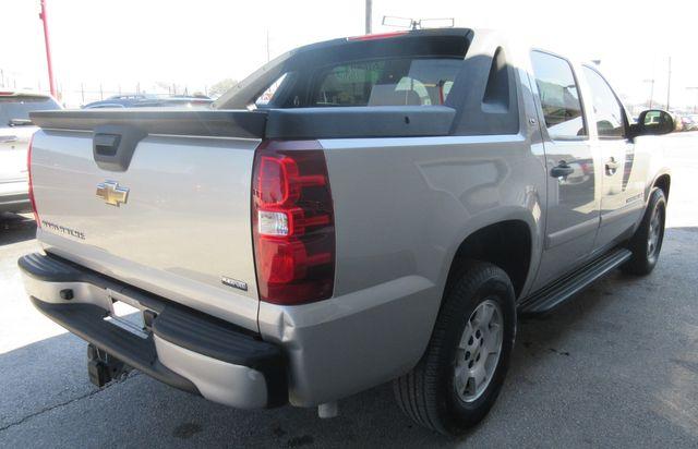 2009 Chevrolet Avalanche LS south houston, TX 3