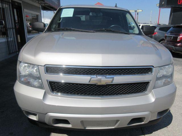 2009 Chevrolet Avalanche LS south houston, TX 5