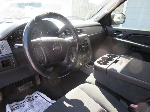 2009 Chevrolet Avalanche LS south houston, TX 8