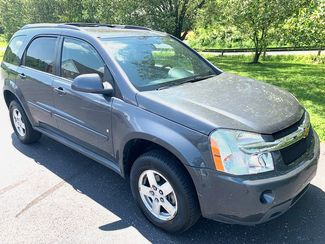 2009 Chevrolet-Carfax Price $7040 0ur Price $4995!! Equinox- COLD AC MINT LT-BUY HERE PAY HERE in Knoxville, Tennessee 37920