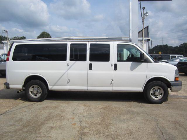 2009 Chevrolet Express Passenger Houston, Mississippi 3