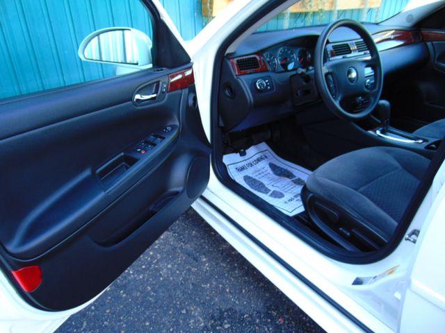 2009 Chevrolet Impala 3.5L LT Alexandria, Minnesota 10