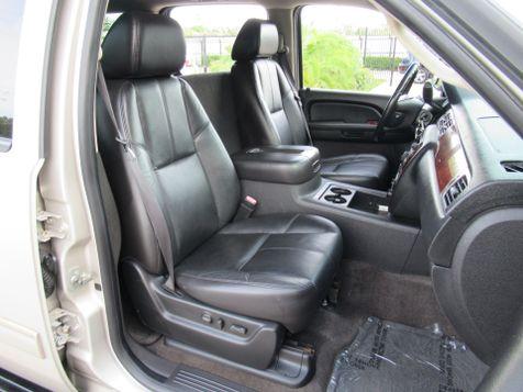 2009 Chevrolet Suburban LT w/2LT | Houston, TX | American Auto Centers in Houston, TX