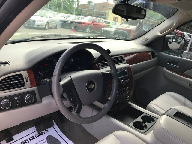 2009 Chevrolet Tahoe LT w/2LT Knoxville , Tennessee 17
