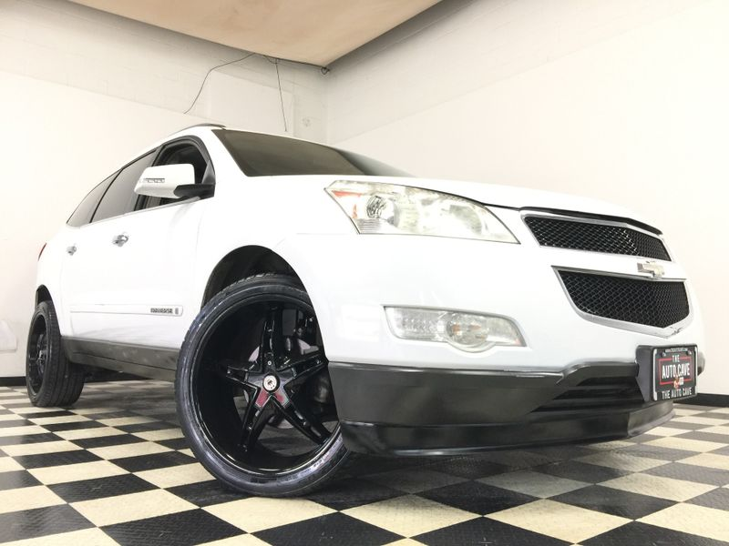2009 Chevrolet Traverse *Affordable Financing* | The Auto Cave in Addison