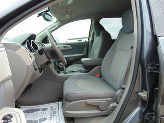 2009 Chevrolet Traverse LS Alexandria, Minnesota 5