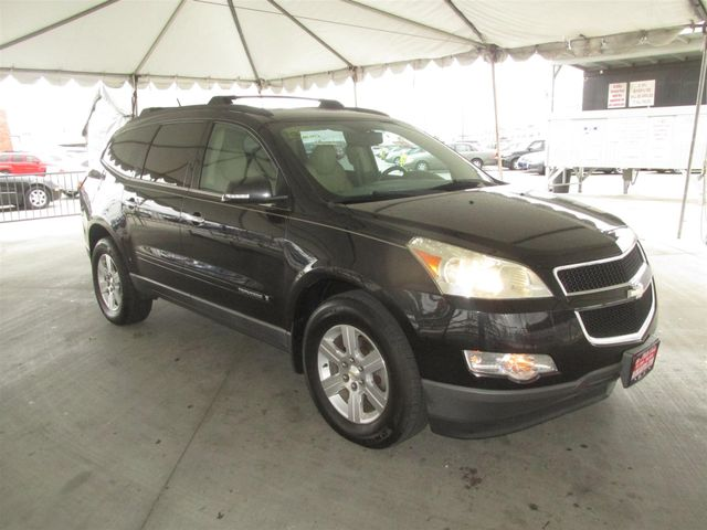 2009 Chevrolet Traverse LT w/2LT Gardena, California 3