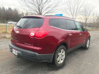 2009 Chevrolet Traverse LT Ravenna, Ohio 3