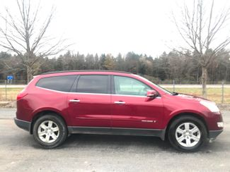 2009 Chevrolet Traverse LT Ravenna, Ohio 4