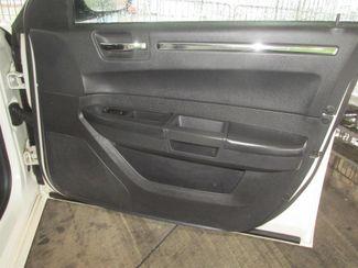 2009 Chrysler 300 LX Gardena, California 13