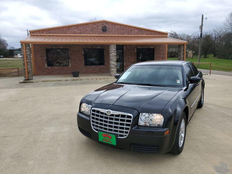 2009 Chrysler 300 LX   Gilmer, TX   Win Auto Center, LLC in Gilmer TX