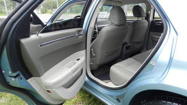 2009 Chrysler 300 LX Hudson , Florida 8