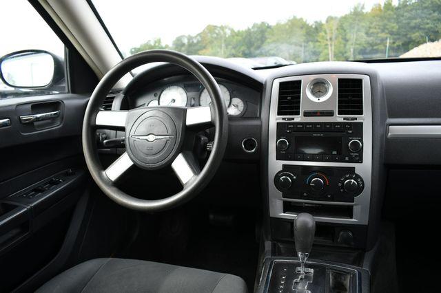 2009 Chrysler 300 LX Naugatuck, Connecticut 3