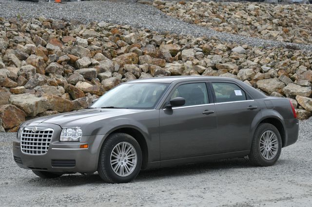 2009 Chrysler 300 LX Naugatuck, Connecticut