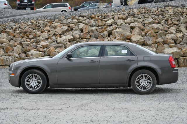 2009 Chrysler 300 LX Naugatuck, Connecticut 1