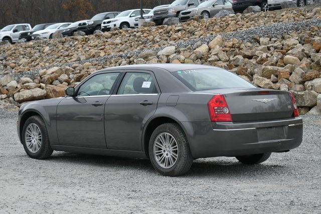 2009 Chrysler 300 LX Naugatuck, Connecticut 2