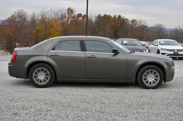 2009 Chrysler 300 LX Naugatuck, Connecticut 5