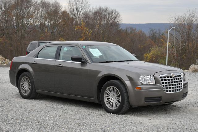2009 Chrysler 300 LX Naugatuck, Connecticut 6