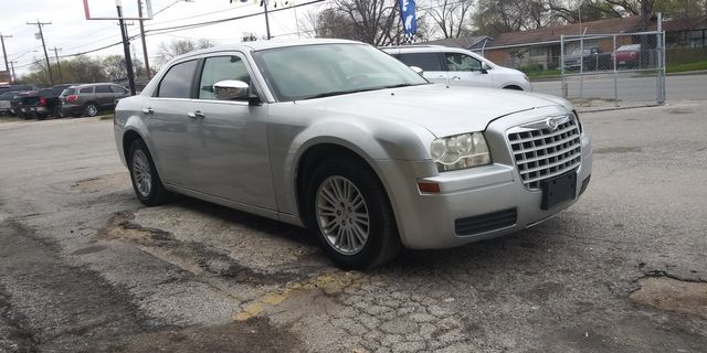 2009 Chrysler 300 LX in San Antonio, TX 78237