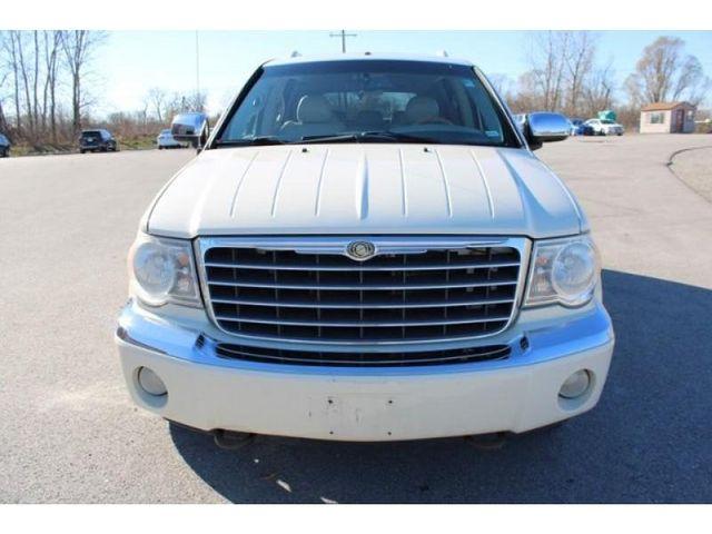 2009 Chrysler Aspen Limited in St. Louis, MO 63043