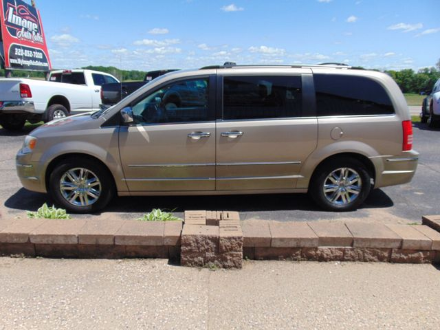 2009 Chrysler Town & Country Limited Alexandria, Minnesota 31