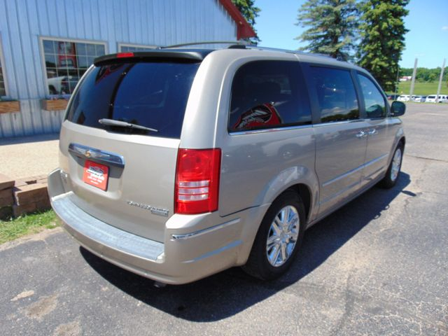 2009 Chrysler Town & Country Limited Alexandria, Minnesota 4