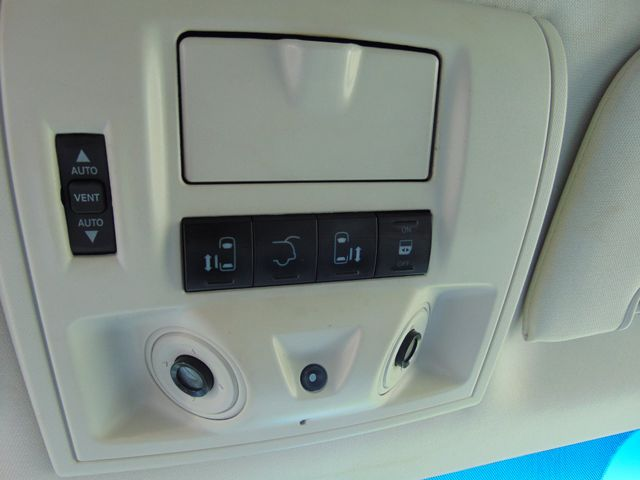 2009 Chrysler Town & Country Limited Alexandria, Minnesota 20