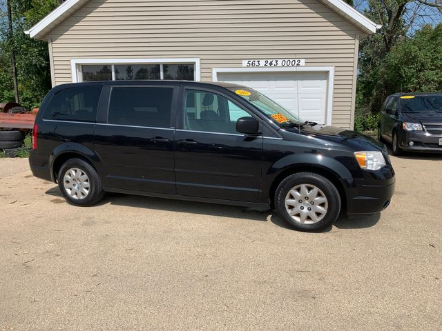 2009 Chrysler Town & Country LX