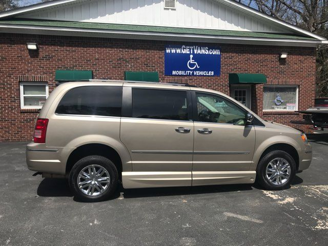 2009 Chrysler Town & Country Limited handicap wheelchair van Dallas, Georgia 5