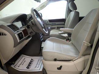 2009 Chrysler Town & Country Touring Lincoln, Nebraska 6