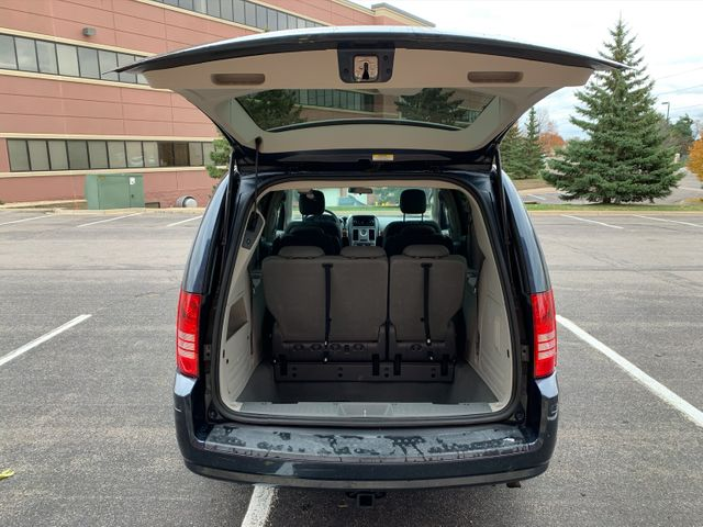 2009 Chrysler Town & Country  Touring Maple Grove, Minnesota 43