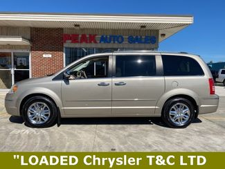 2009 Chrysler Town & Country Limited in Medina, OHIO 44256