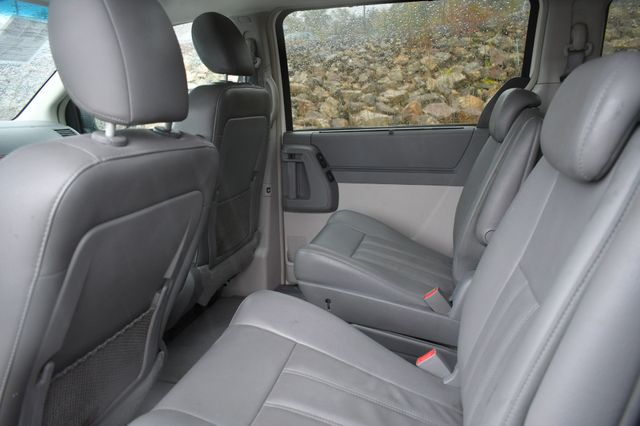 2009 Chrysler Town & Country Touring Naugatuck, Connecticut 11
