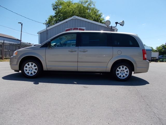 2009 Chrysler Town & Country LX Shelbyville, TN 1