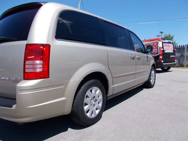 2009 Chrysler Town & Country LX Shelbyville, TN 11