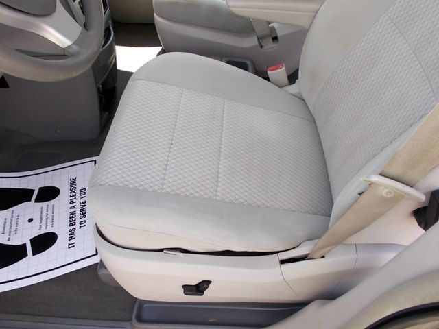 2009 Chrysler Town & Country LX Shelbyville, TN 22