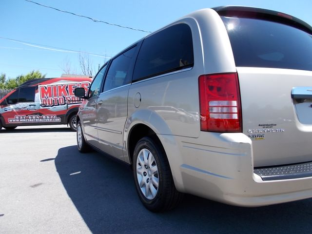 2009 Chrysler Town & Country LX Shelbyville, TN 3