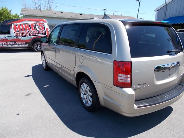 2009 Chrysler Town & Country LX Shelbyville, TN 4