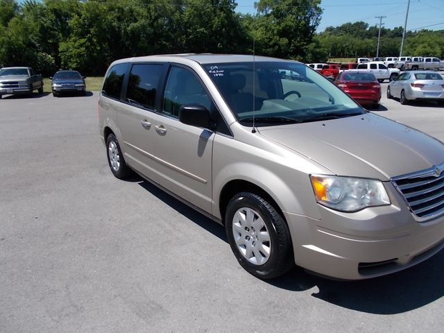 2009 Chrysler Town & Country LX Shelbyville, TN 9