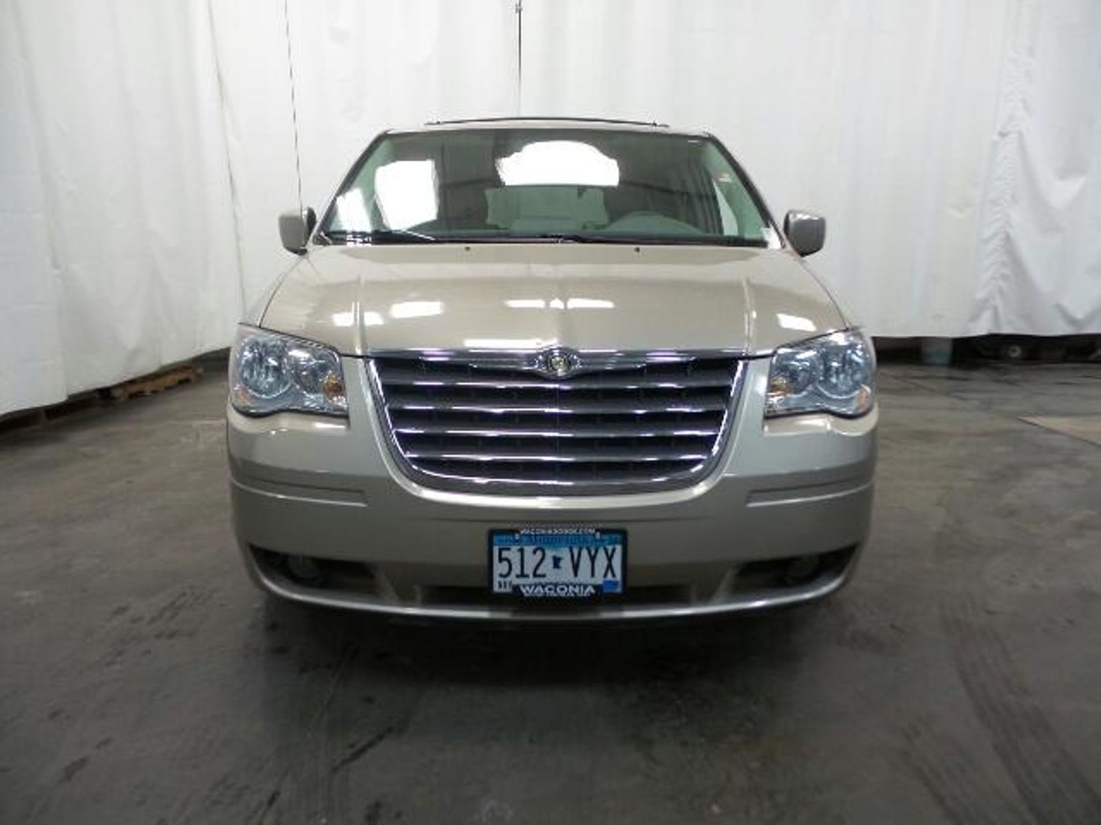 ... 2009 Chrysler Town Country Touring in Victoria, ...