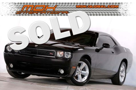 2009 Dodge Challenger R/T - Leather - BORLA exhaust - Manual in Los Angeles