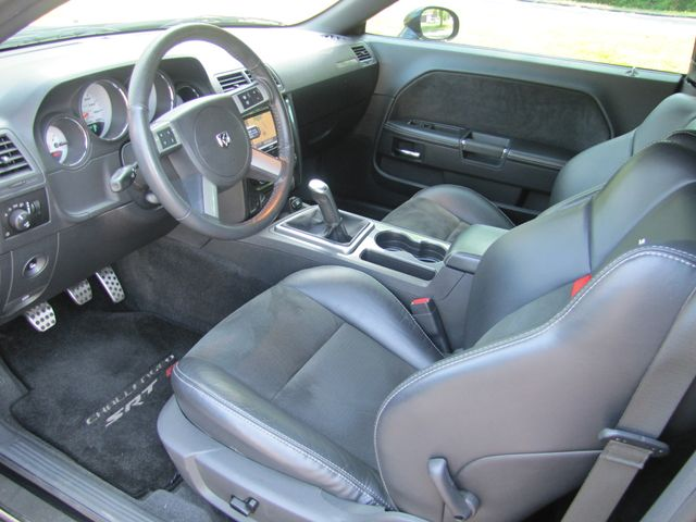 2009 Dodge Challenger SRT8 St. Louis, Missouri 17