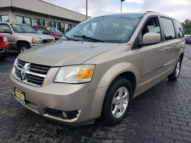 2009 Dodge Grand Caravan SXT | Champaign, Illinois | The Auto Mall of Champaign in Champaign Illinois